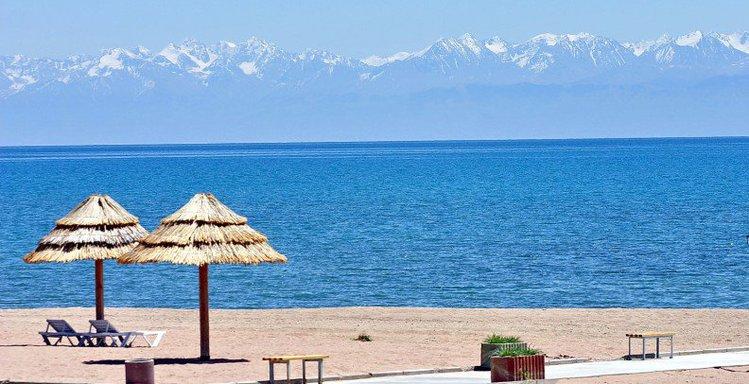 Issyk-kul lake kyrgyzstan1