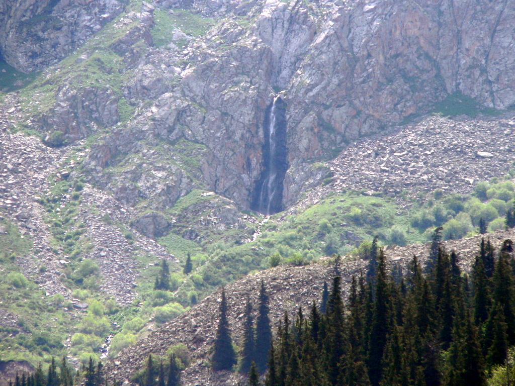 Kyrgyzstan - Ala Archa National Park - waterfall_2007P1210281