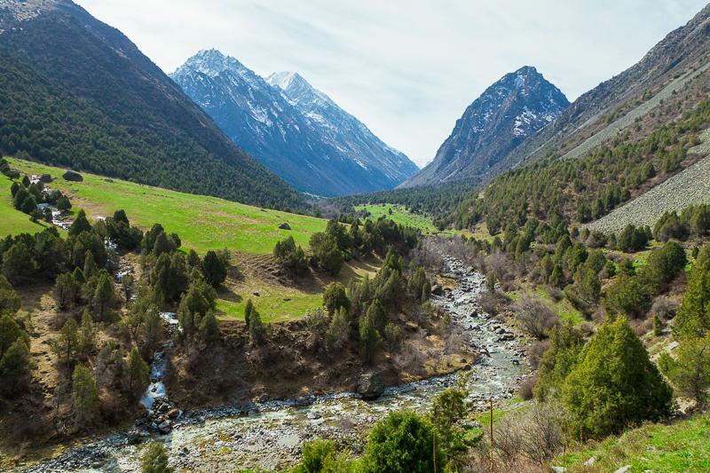 Berglandschaft im Ala Archa Nationalpark im Tian Shan-Gebirge im Zentrum Kirgisistans