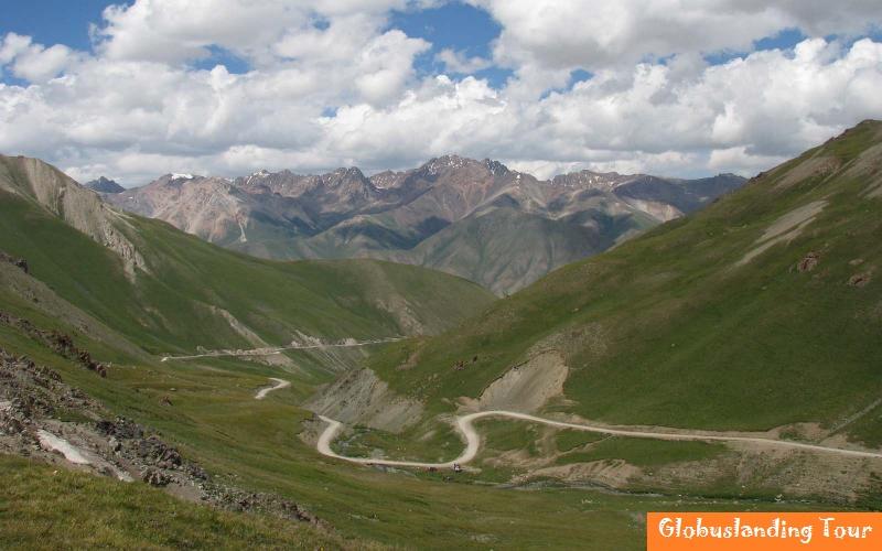 Kalmak Ashuu Pass