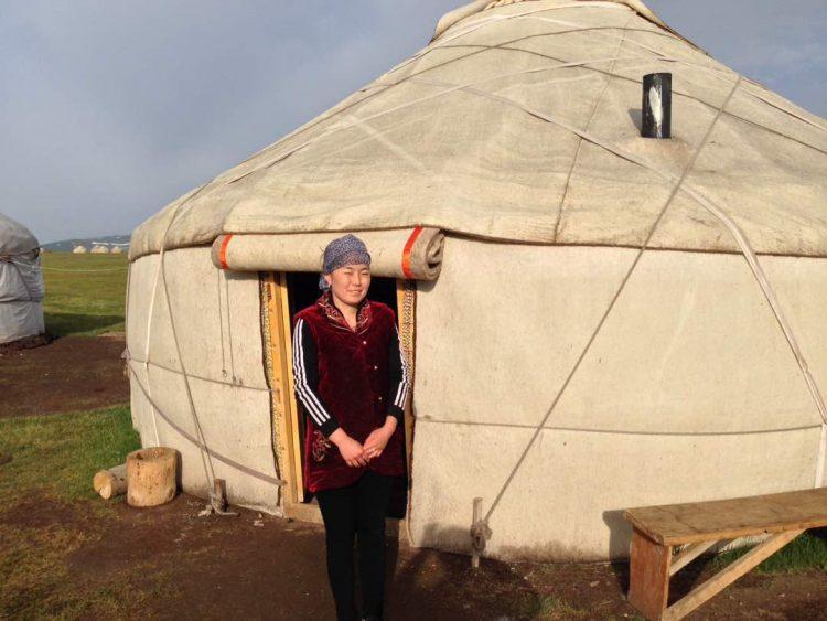Yurt camp-son kul-globuslanding.com
